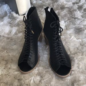 Forever 21 booties sz 6.5
